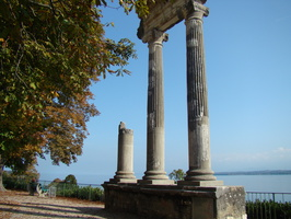 2008 10-Roman Era Columns Nyon Switerland