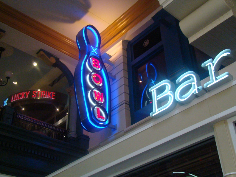 2009 06-Bowling-Bar Washington DC.jpg