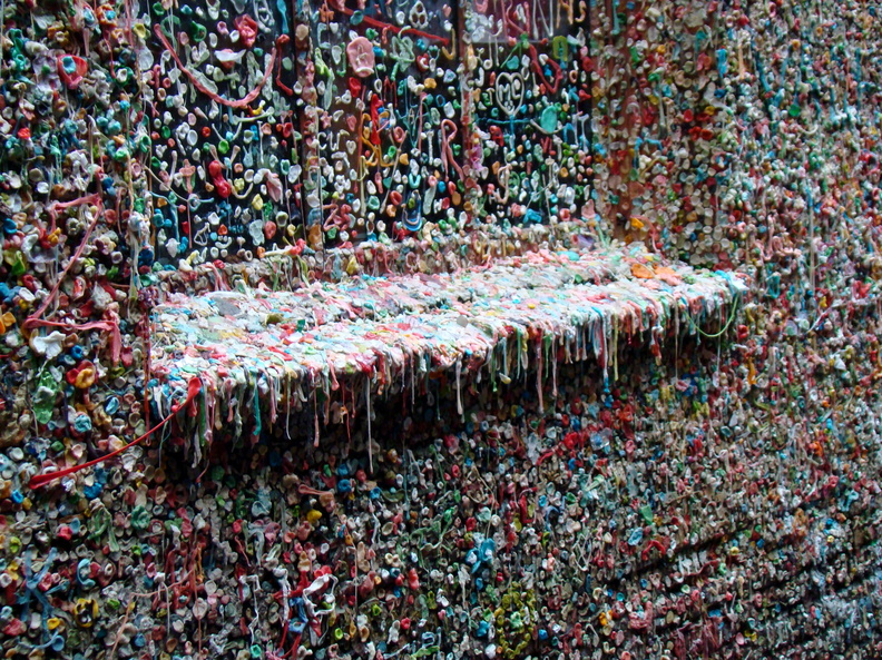 2011 08-Seattle Gum Wall Pikes Market.jpg